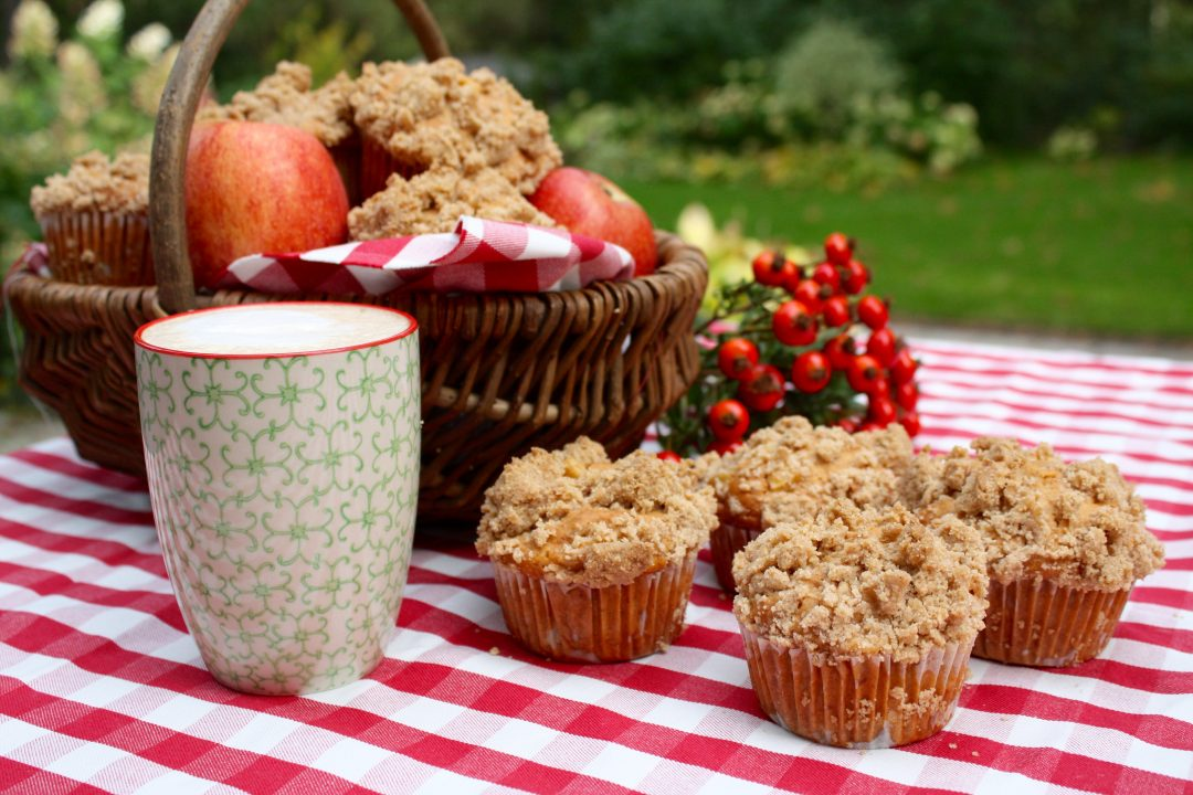 Apfel Walnuss Muffins Mit Zimtstreuseln Friedas Kitchen On My Mind